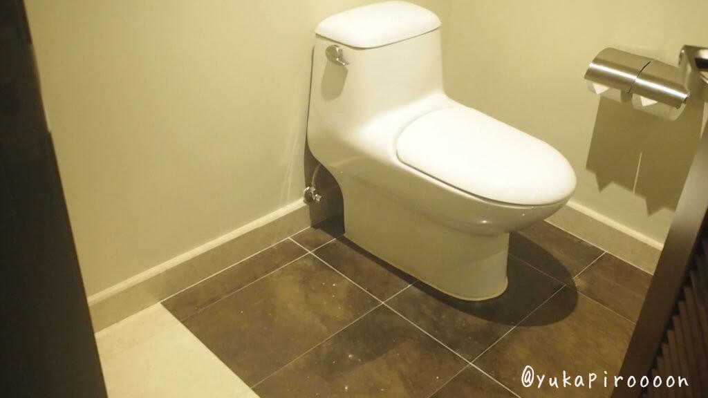 ホリデイ・インマカオのトイレ1